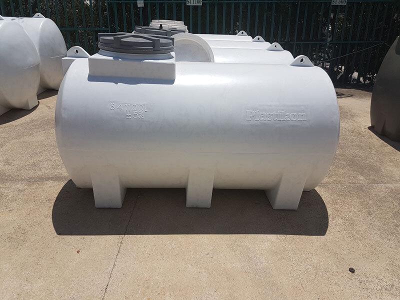 אספקת מים - מיכלי מים בגדלים שונים